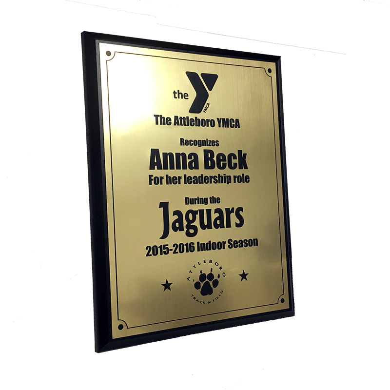 Custom and personalized plaques from Ashworth Awards.